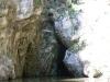 Laghetto e ingresso della grotta